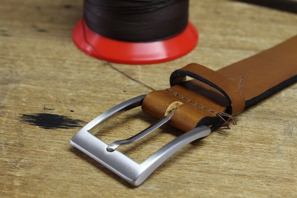 Handgemachter Ledergürtel, handgefertiger Gürtel aus Manufaktur